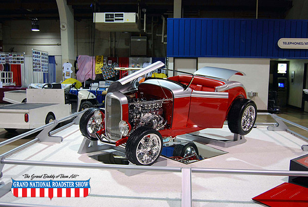 2009 America's Most Beautiful Roadster, AMBR Outstanding Engine Award   - 1932 Ford Roadster - Michael Perry